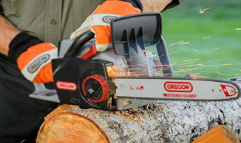 How To Properly Start A Chainsaw